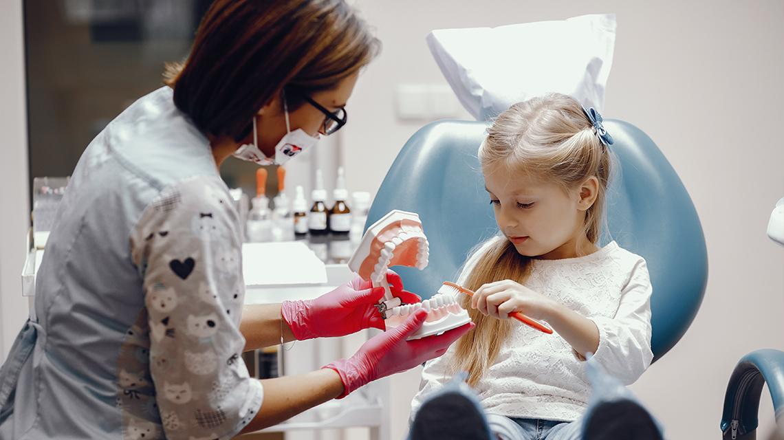Relatia-Copil-Dentist-si-Provocarile-Sale